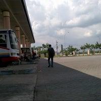 Photo taken at Terminal Kertanegara, Ngawi by wisnhu p. on 12/17/2012