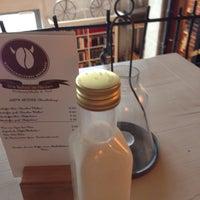 Das Foto wurde bei Brügmanns Kaffeehaus von Oliver B. am 3/29/2015 aufgenommen