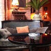 10/17/2012 tarihinde Irene E.ziyaretçi tarafından Mandarin Bar'de çekilen fotoğraf