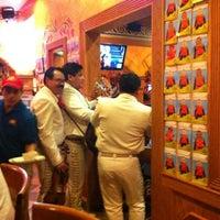 Foto tomada en La Parrilla Mexican Restaurant por Veronica W. el 10/6/2012