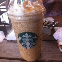 10/22/2012 tarihinde Erdal A.ziyaretçi tarafından Starbucks'de çekilen fotoğraf