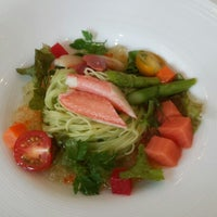 Photo taken at RESTAURANT LE TRIANON (トリアノン) by S N. on 9/13/2014