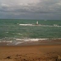 Foto tirada no(a) Praia Mirante da Sereia por Ricardo F. em 10/13/2012