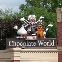 Photo taken at Hershey's Chocolate World by Alberto G. on 7/11/2013
