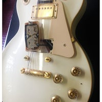 Photo taken at Midwest Buy and Sell by JK-47 [Guitar] on 10/5/2013