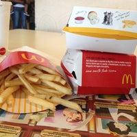 รูปภาพถ่ายที่ McDonald's โดย Luciene S. เมื่อ 11/2/2012