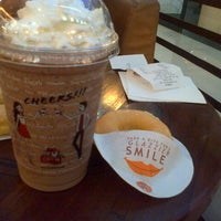 Photo taken at J.Co Donuts & Coffee by Nurlida P. on 5/29/2013