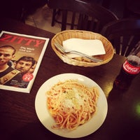 Photo taken at Gianni Gillone Pasta Bar & Ital. Feinkost by Wolo on 10/1/2015