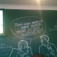 Foto diambil di OneMore Pub oleh Paul pada 6/11/2013