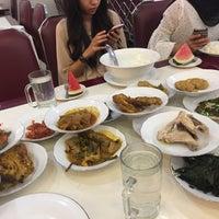 Photo taken at Restoran Simpang Raya by Azmi A. on 2/21/2017
