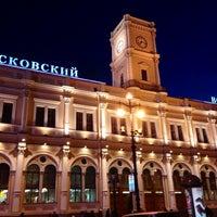 Снимок сделан в Московский вокзал пользователем Юля А. 10/20/2013