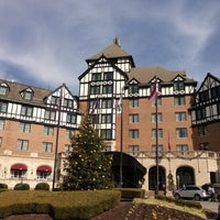 Photo taken at The Hotel Roanoke & Conference Center - Curio - A Collection by Hilton by Warren C. on 11/23/2012
