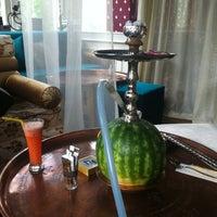 4/30/2013 tarihinde Beyza T.ziyaretçi tarafından Al Fakheer Shisha Lounge'de çekilen fotoğraf