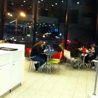 Foto tomada en McDonald's por Florencia C. el 9/21/2013