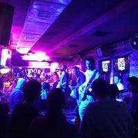 3/20/2013にÜmit S.がTudors Pubで撮った写真