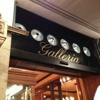 Foto scattata a Galleria Ristorante Pizzeria da Лариса il 2/2/2013