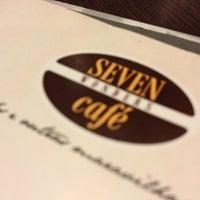 Foto tirada no(a) Seven Wonders Café por Diego P. em 10/13/2012