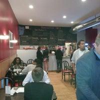 Foto tirada no(a) Binghamton Hots por AJ M. em 11/3/2012