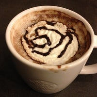 3/22/2013 tarihinde Esranur S.ziyaretçi tarafından Starbucks'de çekilen fotoğraf