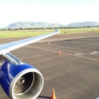 Foto tomada en Aeropuerto Internacional de Oaxaca (OAX) por George R. el 6/20/2013