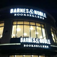 Photo taken at Barnes & Noble by Gerald F. on 10/8/2012