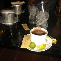 Photo taken at Rieng Mot Goc Troi Coffee by Meat F. on 6/1/2013