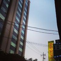 Photo taken at Mr. Breeze Coffee by Sejin Park on 6/7/2013