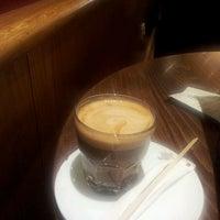 Снимок сделан в Costa Coffee пользователем Sultan S. 2/20/2013