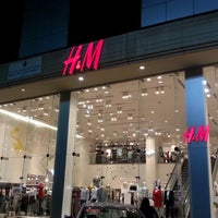 Photo taken at H&M | اتش اند ام by iClick EdiZone on 7/29/2014