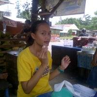 Photo taken at Bakso Kepala Sapi - Bekasi by Faras P. on 12/17/2012