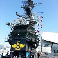 Foto scattata a USS Midway Museum da Steve W. il 12/9/2012