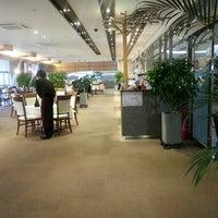 Photo taken at 센텀호텔 라운지21 by 서만조 010-5543-2277 뉴. on 11/28/2014