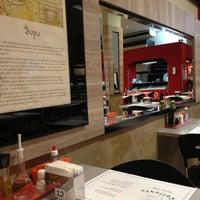 Foto tirada no(a) Café Caliente por Nine C. em 6/26/2013