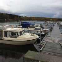 Photo taken at Näske Båthamn by Maj-Britt B. on 10/5/2017