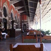 4/27/2013 tarihinde Dmitry S.ziyaretçi tarafından Orient Express Restaurant'de çekilen fotoğraf