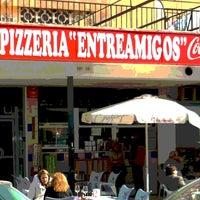 Photo taken at Bar y Pizzería Entre Amigos by Rafael Ángel F. on 5/11/2014