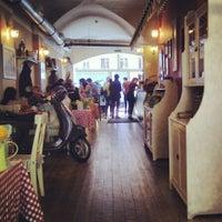 Снимок сделан в Caffe Italia пользователем Luda K. 6/15/2013