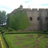 Photo taken at Castillo de Montjuic by Innusik A. on 5/9/2013