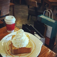 Photo taken at Caffé bene by Joannie C. on 12/23/2012