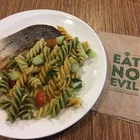 Photo taken at Munch Saladsmith by Tina K. on 10/17/2016