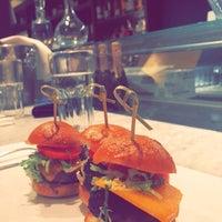 Foto tirada no(a) The Plaza Food Hall por Lola__06 em 4/11/2017