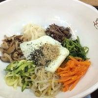 Photo taken at 본비빔밥 by Ungju L. on 9/2/2014