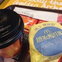 Photo taken at McDonald's by Ungju L. on 2/25/2014
