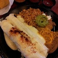 Foto diambil di Taco Bueno oleh Sharky G. pada 10/21/2013