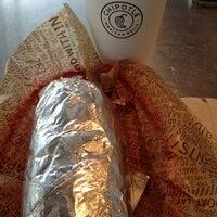 10/11/2012 tarihinde Israel H.ziyaretçi tarafından Chipotle Mexican Grill'de çekilen fotoğraf