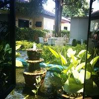 Photo taken at HotelTravel.com by Viraj S. on 3/27/2014