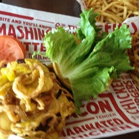 Photo taken at Smashburger by Kenny H. on 3/31/2015