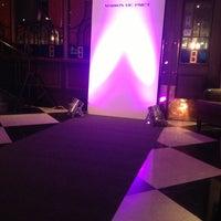 Снимок сделан в Repin Lounge Bar & Restaurant пользователем Dmitry N. 10/21/2012