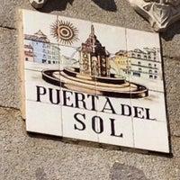 Foto tomada en Puerta del Sol por Ana V. el 5/2/2013