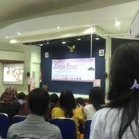 4/12/2013에 Sindy S.님이 Gedung Prof. Soedarto Undip에서 찍은 사진